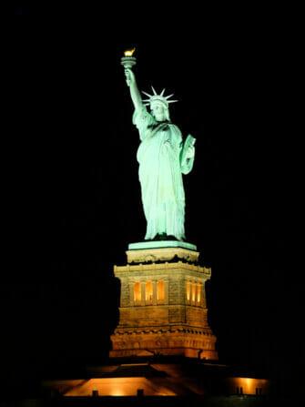 ニューヨーク ディナークルーズ - 自由の女神