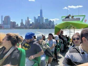 ニューヨーク サークルライン ビースト号 クルーズ スピードボート