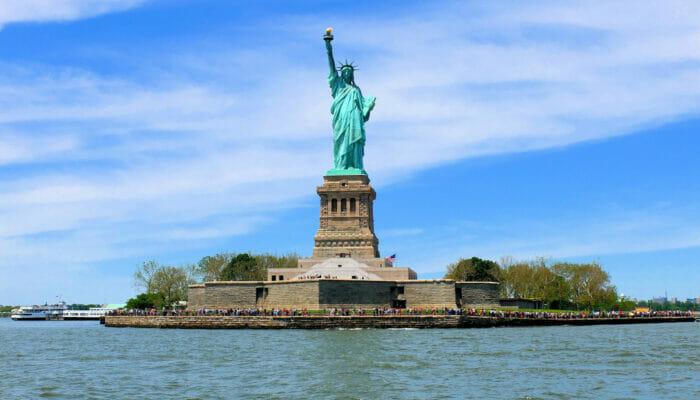 サークルライン ベストオブNYCクルーズ - 自由の女神