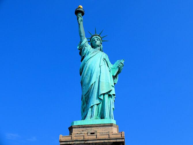 サークルライン リバティ クルーズ - 自由の女神