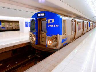 ニューヨーク PATH トレイン 車両