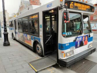 ニューヨークの身体障害者用設備 - バス