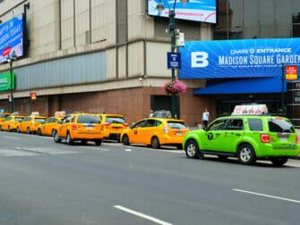 ニューヨーク ライムグリーンキャブとイエローキャブ
