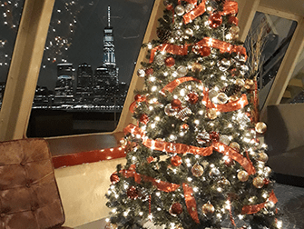 ニューヨーク クリスマスイブ ディナークルーズ - クリスマスツリー