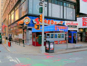 Breakfast in New York Ellens Stardust