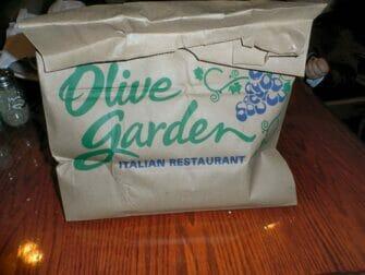 ニューヨークの「ドギーバッグ」 オリーブガーデン