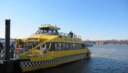 ニューヨーク ウォータータクシー
