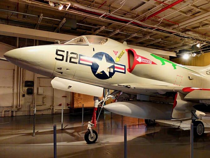 ニューヨーク イントレピッド 海上航空宇宙博物館 - 飛行機