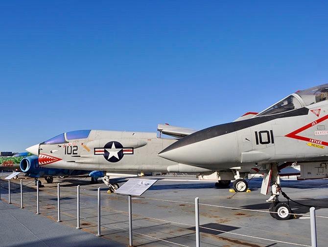 ニューヨーク イントレピッド 海上航空宇宙博物館 - 戦闘機