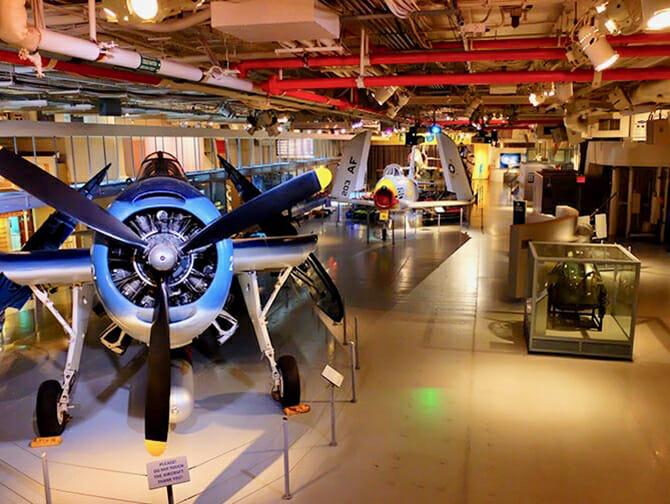 ニューヨーク イントレピッド 海上航空宇宙博物館 - 館内
