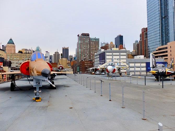 ニューヨーク イントレピッド 海上航空宇宙博物館 - デッキ