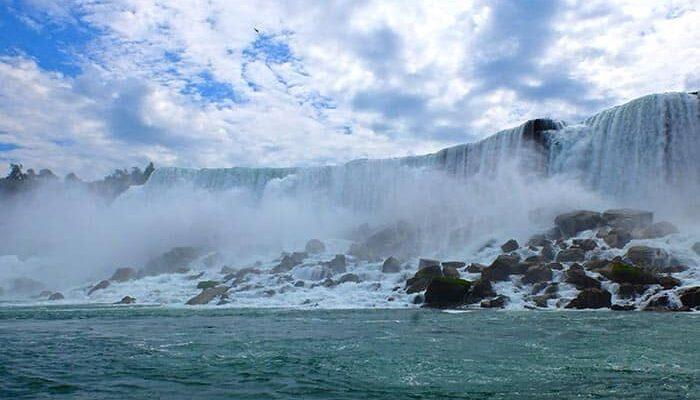 ニューヨーク 発 ナイアガラの滝 1泊2日 ツアー ホースシュー 滝