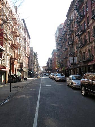 ニューヨーク ロウアーイーストサイドの家々