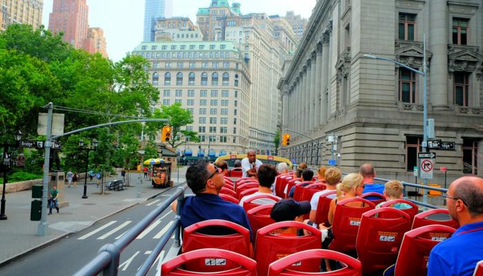 ニューヨーク ホップオンホップオフバス - 観光