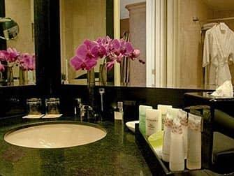 NYCのロマンチックなホテル ミケランジェロ