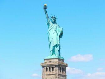ニューヨーク バスツアーと観光名所パッケージ - 自由の女神