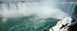 ニューヨーク発 ナイアガラの滝 チャーター機利用 日帰りツアー