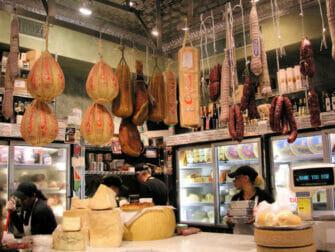 チャイナタウン リトルイタリー フードツアー - イタリアのチーズ