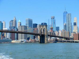 ニューヨーク NYCフェリー - ブルックリンブリッジ