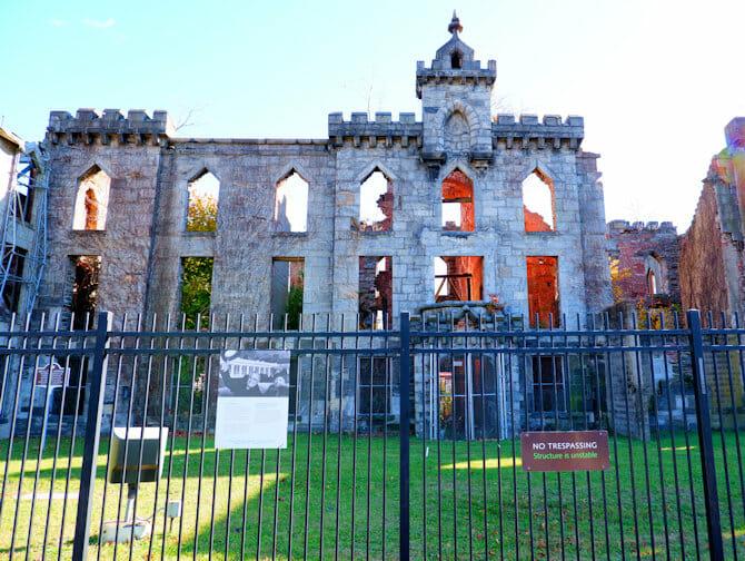 ルーズベルトアイランド - 天然痘病院