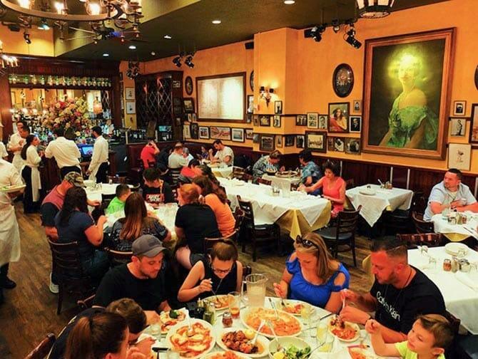 ニューヨーク カーマインズ ファミリーレストラン - ディナー