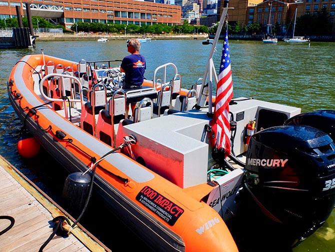 ニューヨーク ハイスピードボート ツアー - RIBボート
