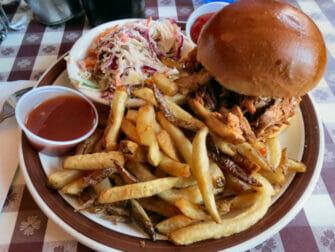 ニューヨークで食べる典型的 アメリカンフード