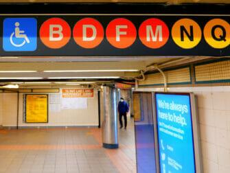 ニューヨークの身体障害者用設備 - 地下鉄