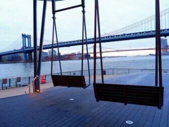 ニューヨークのマンハッタンブリッジ - 眺め