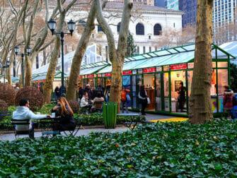 ニューヨーク ホリデーマーケット - ブライアントパークマーケット
