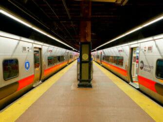 ニューヨークのメトロノース鉄道 - プラットフォーム